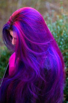 cabelo-colorido-rosa-escuro-liso-com-azul