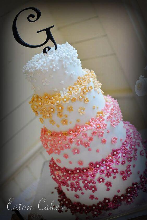 bolos-de-15-anos-4-andar-branco-com-detalhes-florais