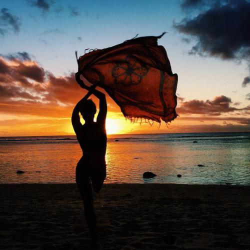 Fotografias-feitas-ao-pôr-do-sol-para-se-inspirar-menina