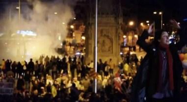 2014'III'22. Dirigiendo a la Orquesta y coro de la Dignidad - ataques policiales