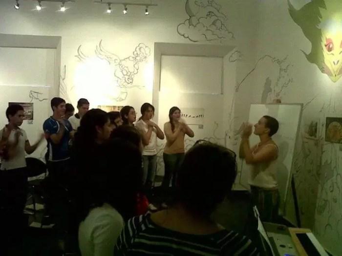2012'VIII. El Salvador. Ensayando con el Vocal Cordis en el Museo de Santa Tecla - foto 1