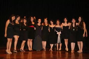 2012'VIII. El Salvador. Concierto de Vocal Cordis en un teatro de la zona - foto 2