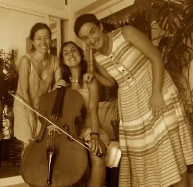 2010'VI. En Torrevieja con las chelistas Laura Giménez y Cecilia Martínez