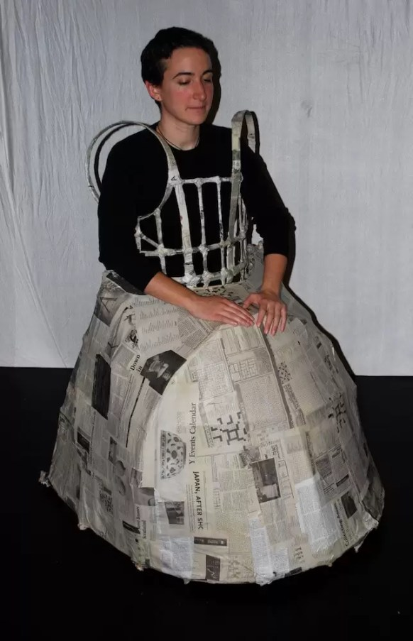 2011'IV'24. 'Triangle' at NYU Black Box Theater - Sonia with the costume