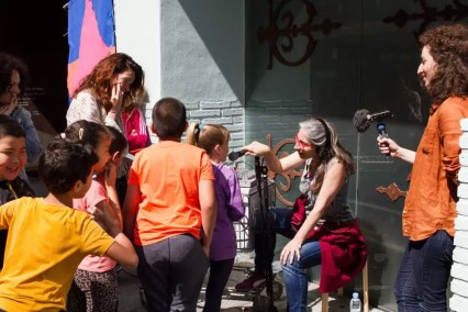 2018'V'29. Triángulo - Mañana. Magda y la radio