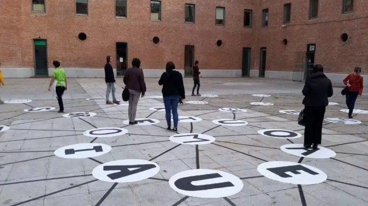 Contrapunto Fonémico II - con paseantes 2