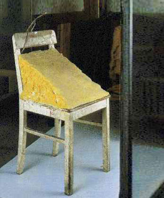 oseph_Beuys,_Fat_Chair[1]