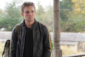 A Dylan, el hermano pródigo, lo interpreta Max Thierot