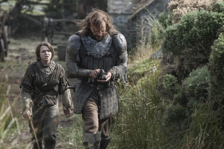 Arya Stark (Maisie-Williams) - Sandor Clegane (Rory McKann)