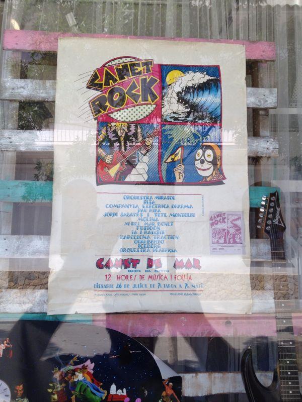 Un cartel que había en el pueblo