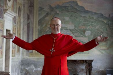 the-young-pope-james-cromwell