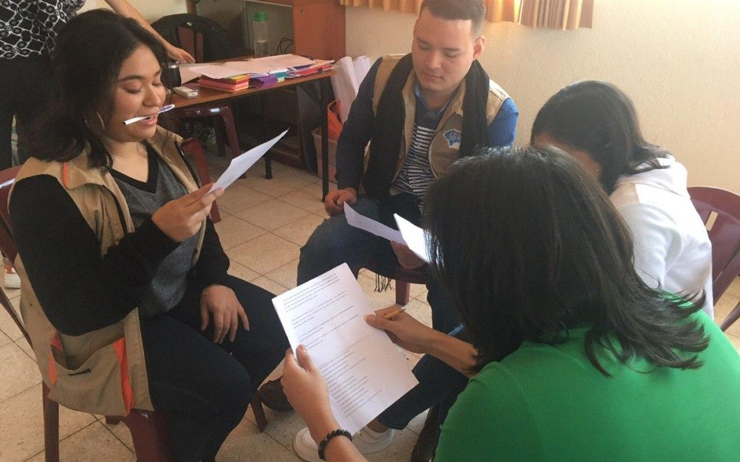 Sónica comparte con miembros de OYE