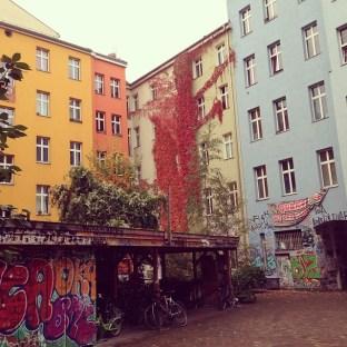 Brunnenstrasse, Mitte