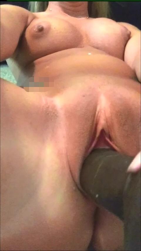 Stora dildos i Veras fitta