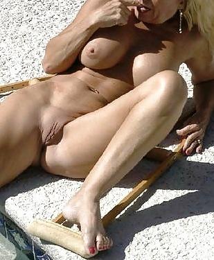 Bella solar naken