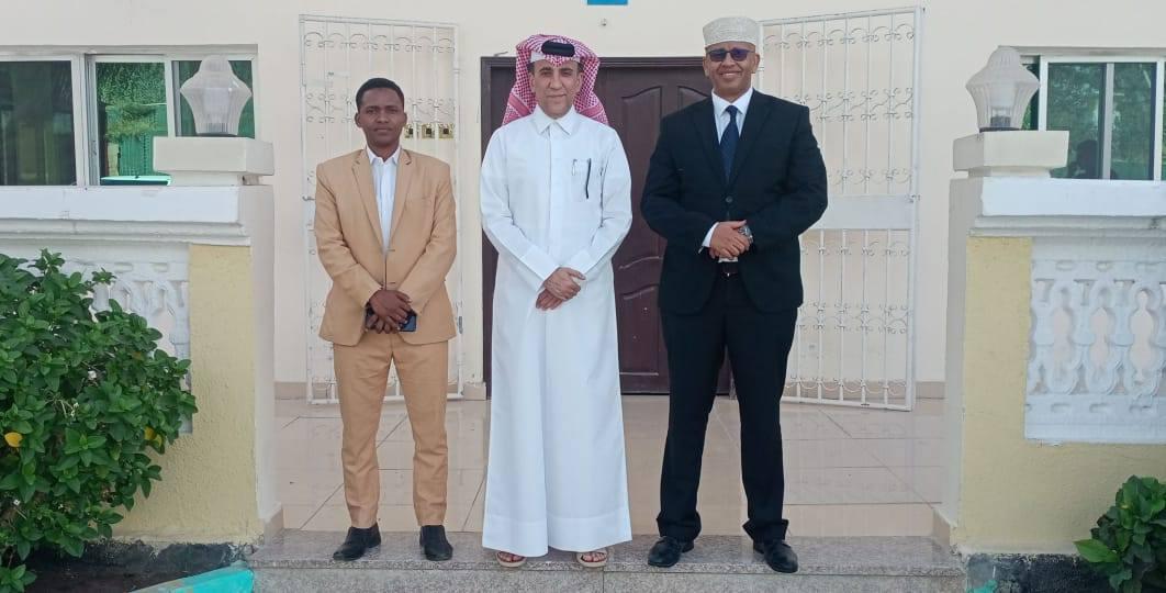 Information Minister meets Qatar Ambassador to Somalia