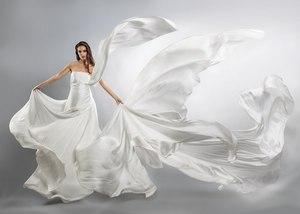 Снится женщине в белом платье толкуем по различным сонникам
