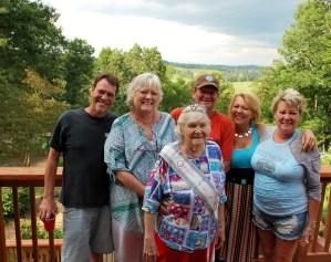 Shirley with her kids: Jay, Ronna, Jeff, Kim, Neina, Shirley