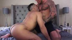 Filme porno nacional com machos sarados se chupando