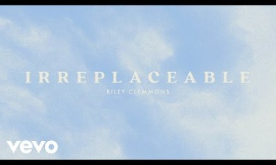 Download Riley Clemmons Irreplaceable mp3