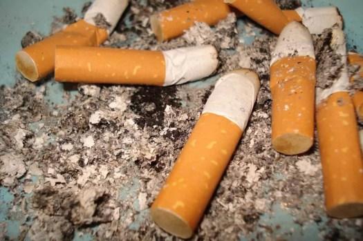 Le sigarette sono tra i primi tre rifiuti in mare
