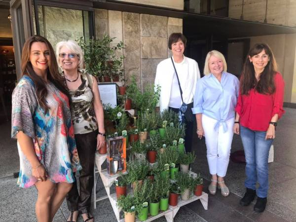Raji Brar, Jean Fuller, Barbara Grimm, Lynette Zelezny, Sonya Christian