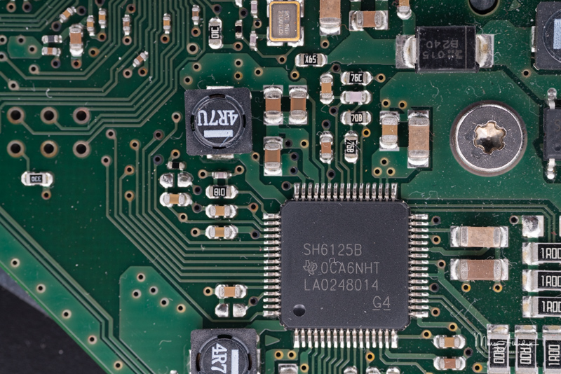 F11, Meike 85mm F2.8 Macro- ISO 1000-1-30 s 021