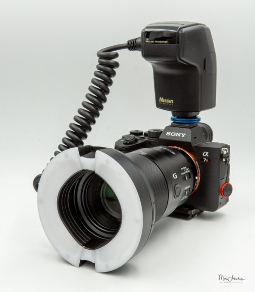 Nissin MF-18 Macro flash-12