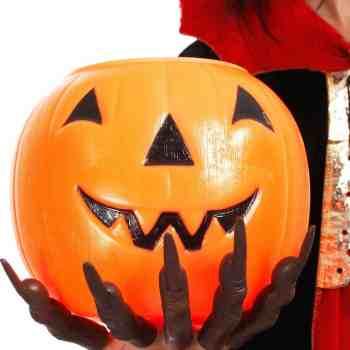 halloween_pumpkin_hand_1200x1633