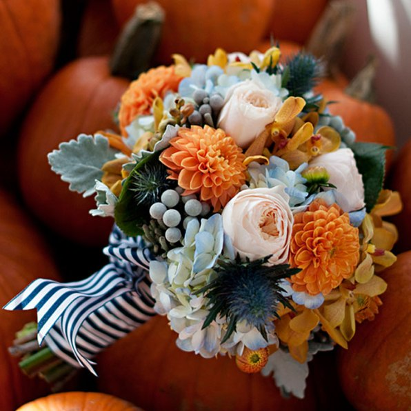 fall-wedding-bouquet-brides