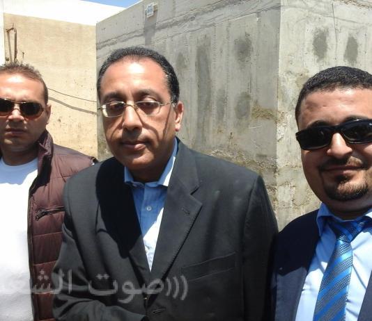 أحمد عبدالله محرر صوت الشعب مع رئيس الوزراء