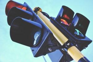 Pas-op-het-verkeerslicht-staat-op-rood-SophiaMagazine