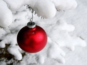 Xmas-Snow-Ball-Wallpaper-1600x1200