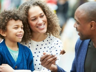 Know When To Introduce Child To Boyfriend With These 5 Tips