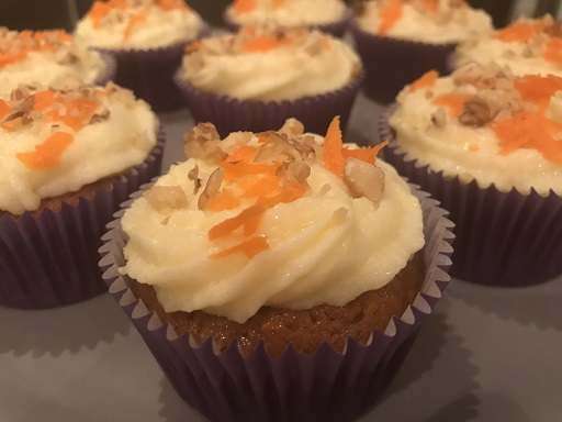 Carrot cupcakes met cream cheese frosting