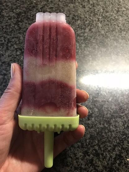 frambozen en banaan yoghurt ijsjes