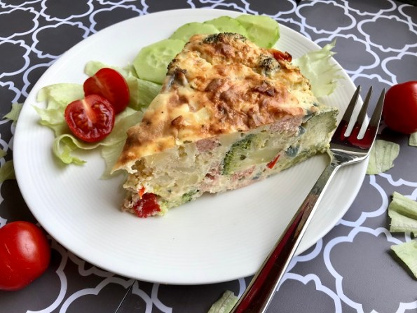 Aardappeltaart met broccoli en zalm