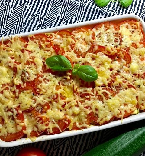Pasta ovenschotel met courgette, gehakt en tomaat