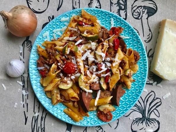 pasta met ratatouille en gehakt