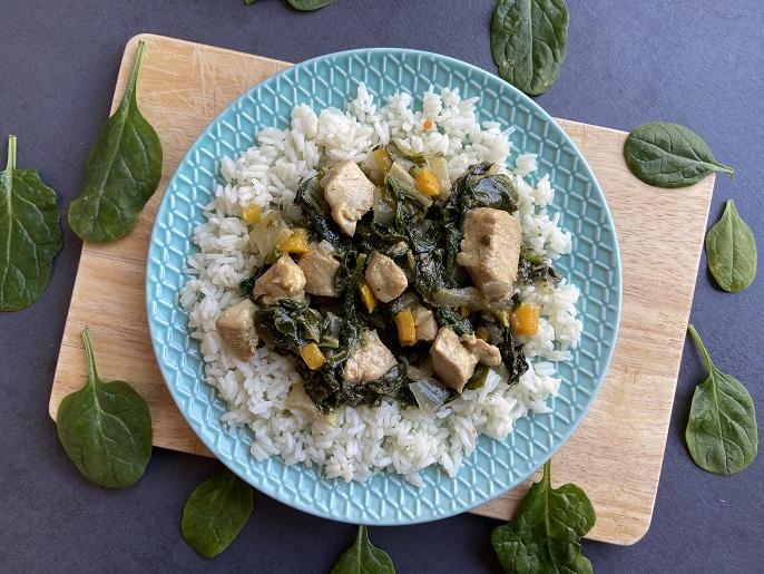 Thaise curry met paksoi, spinazie en kip