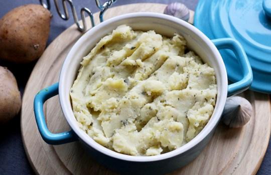 Aardappel-knoflookpuree met Provençaalse kruiden