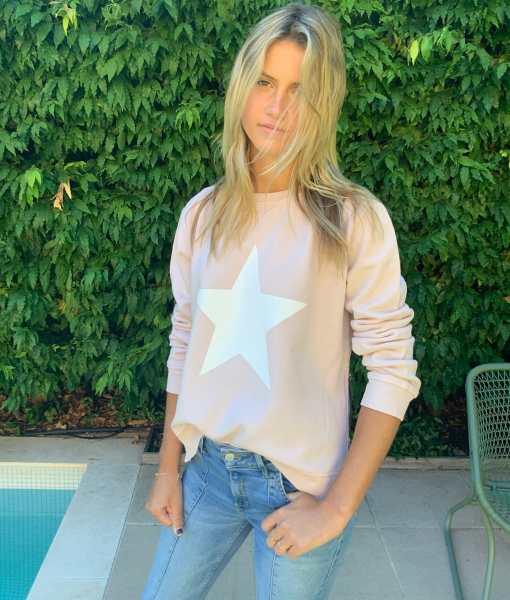 Blush sweater white star