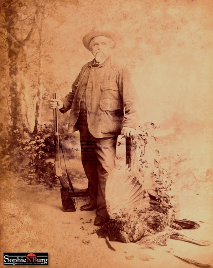 Photo caption: Forester, saloonkeeper, hunter and antler collector Ernst Dosch in 1900. [3020D]