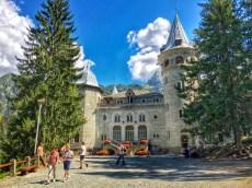 Gressoney, l'ingresso di Castel Savoia