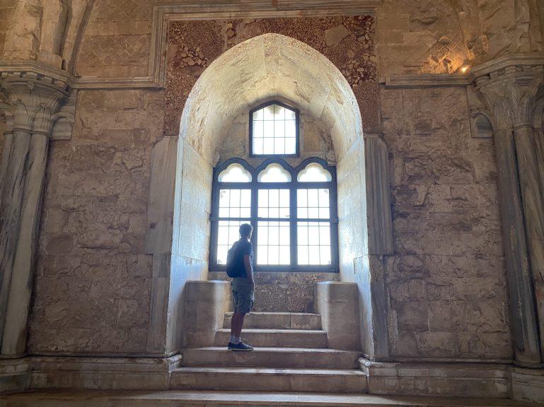 Castel del Monte, interno
