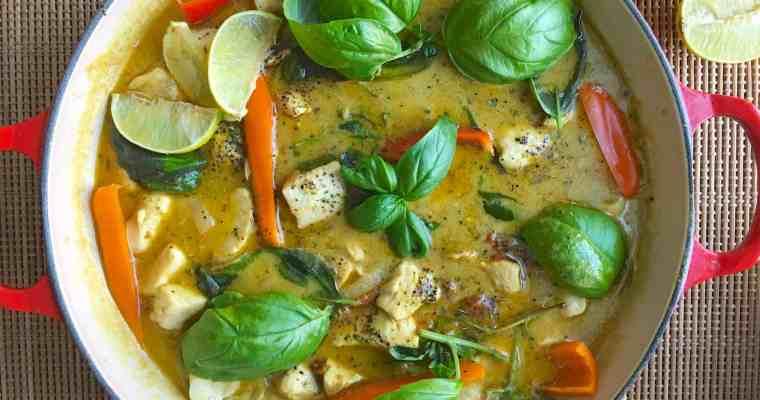 [生酮餐] 泰式綠咖哩雞 Thai Green Curry Chicken- 椰漿補油好幫手