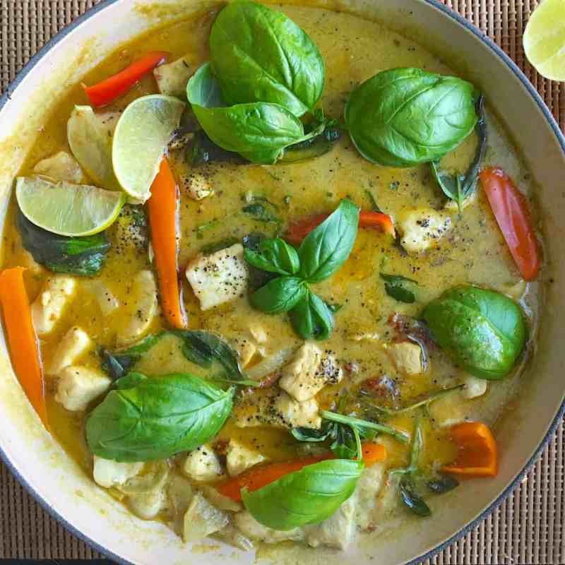 [生酮食譜] 泰式綠咖哩雞 Thai Green Curry Chicken- 椰漿補油好幫手