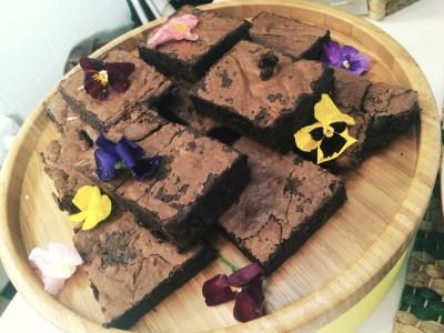 YAKUMAMA Chocolate Brownies