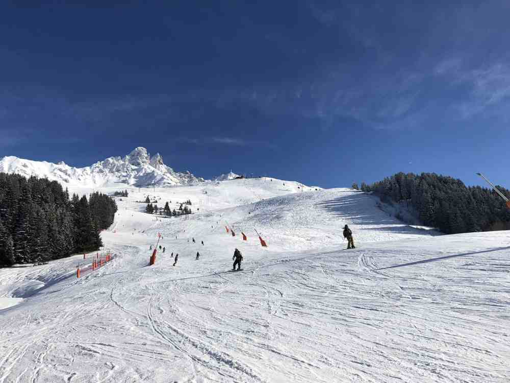 Skiing in Meribel