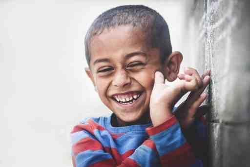 Enfant Sourire Bonheur être heureux